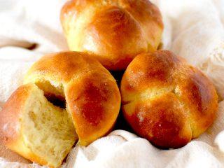 three overnight cloverleaf rolls