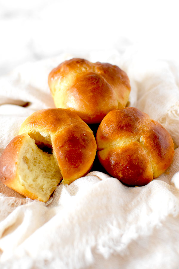 three overnight cloverleaf rolls
